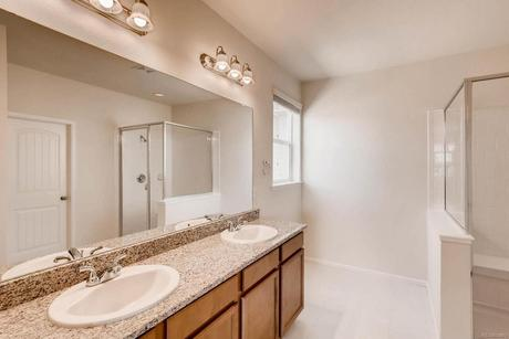 Bathroom-in-40A2-at-West Village in Timnath Ranch-in-Timnath
