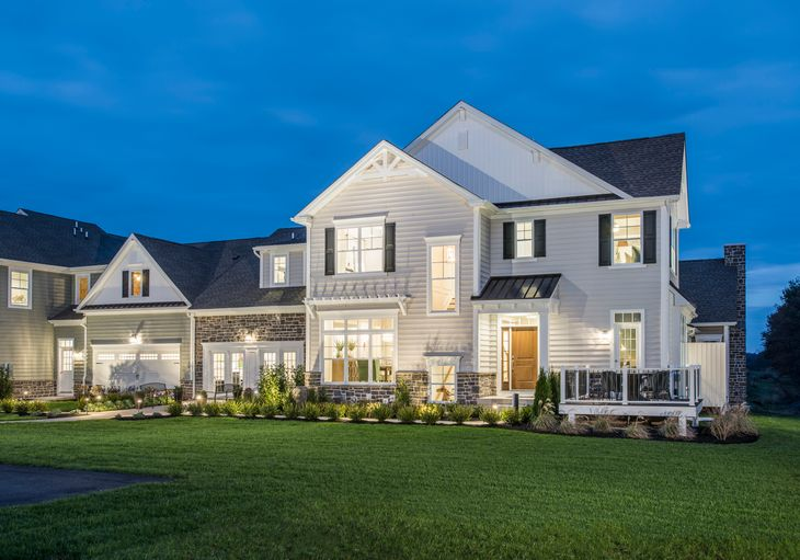 Augusta:New carriage homes adjacent golf course greens and preserved farmstead