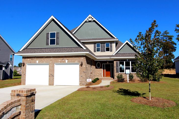 Exterior of new home in Knolls at the Neuse