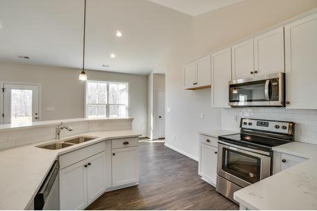 Kitchen-in-The Rosedale-at-West River Meadows-in-Scottsville
