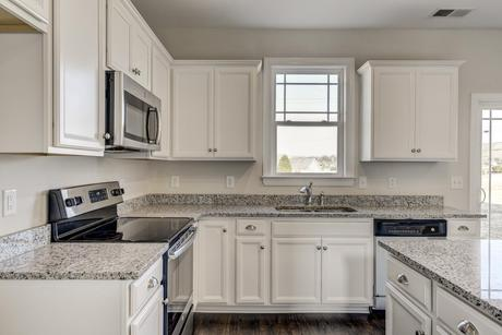 Kitchen-in-The Brookville-at-Oak Park-in-Youngsville