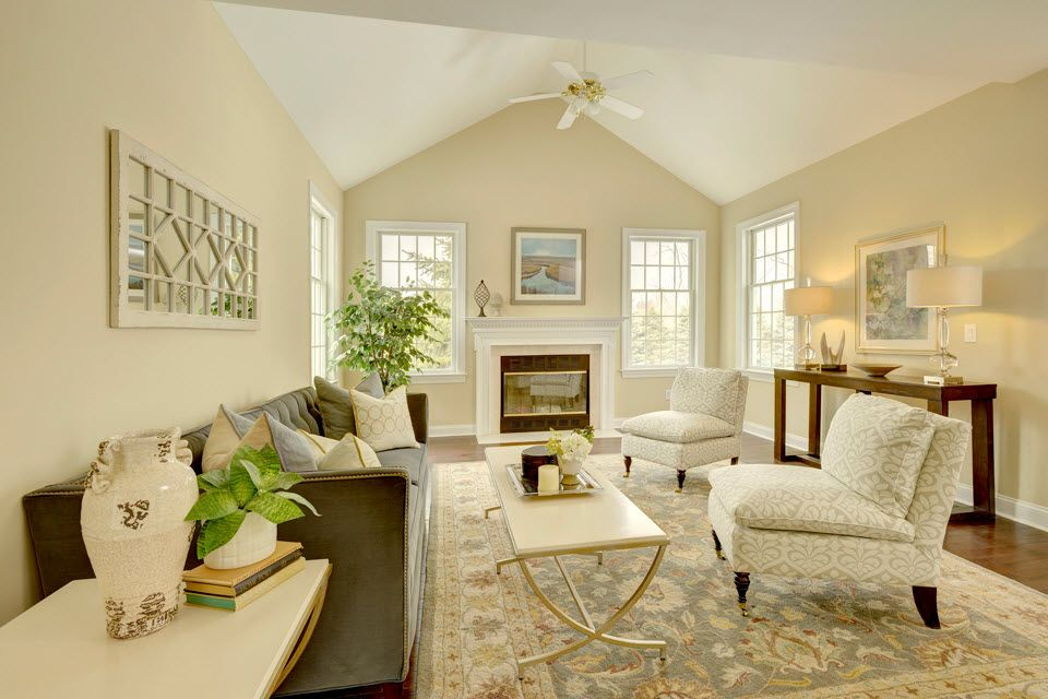 Living Area featured in the Georgetown (Price includes $600,000 for lot) By Westchester Modular