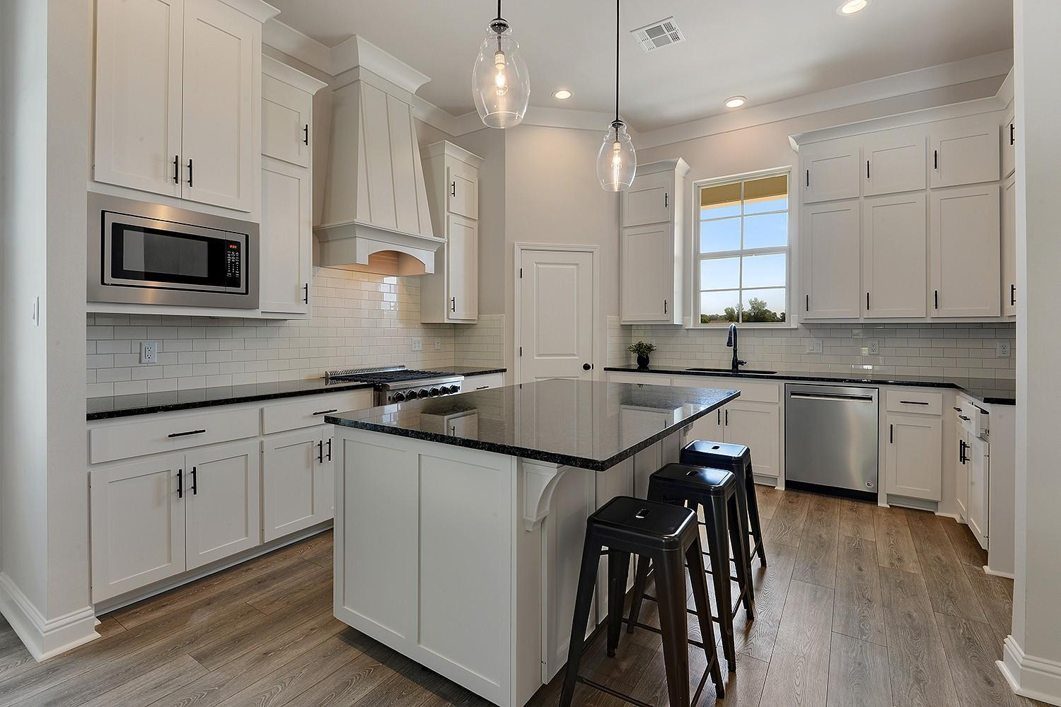 Kitchen featured in the Savoy II By Willie & Willie  in Baton Rouge, LA