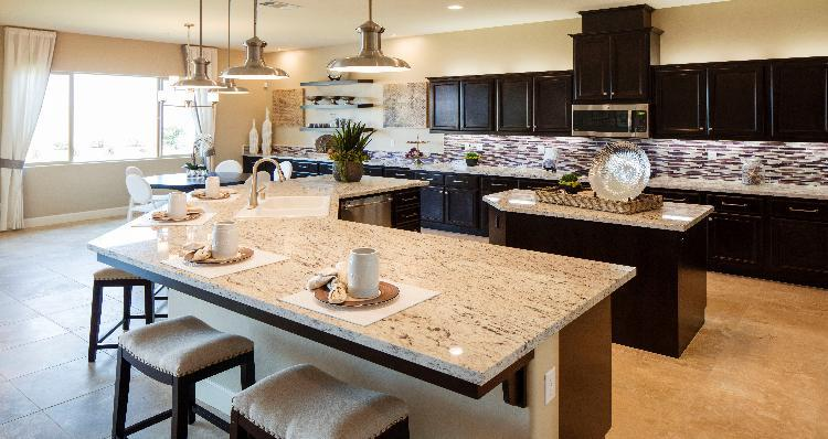 Kitchen-in-Timberlake-at-Jacob Creek-in-Bakersfield