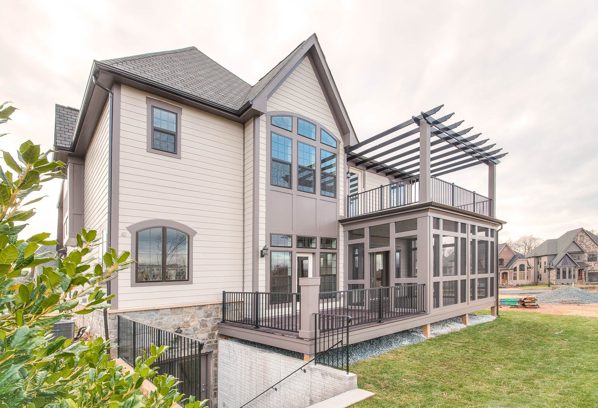 Exterior featured in The Estate Home With Oak Park Package By Wormald Homes in Washington, MD