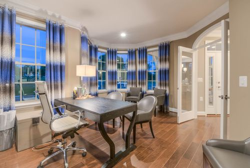 Dining-in-The Whitehaven-at-The Mount Vernon Collection at Brentwood Springs-in-Round Hill
