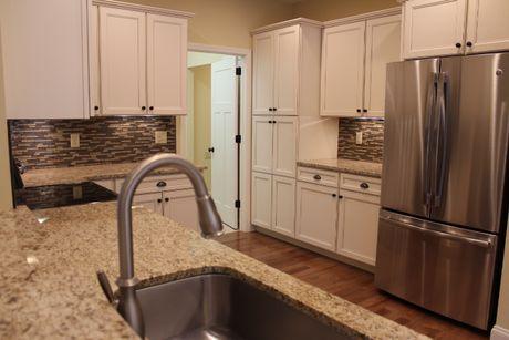 Kitchen-in-The Brandywine-at-Keswick Pointe-in-Blakeslee