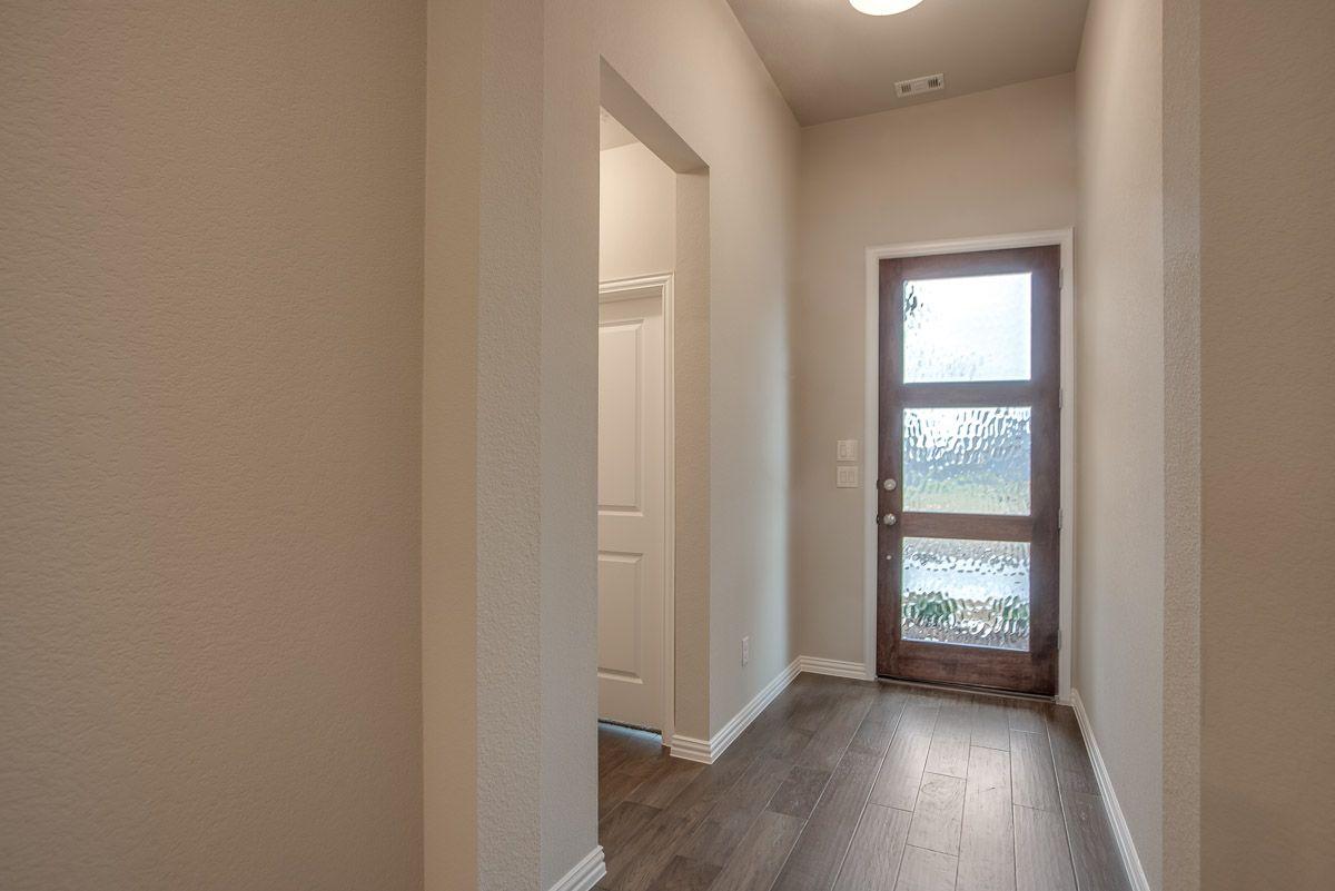 Interior:Plan 1522 Entry Representative Image