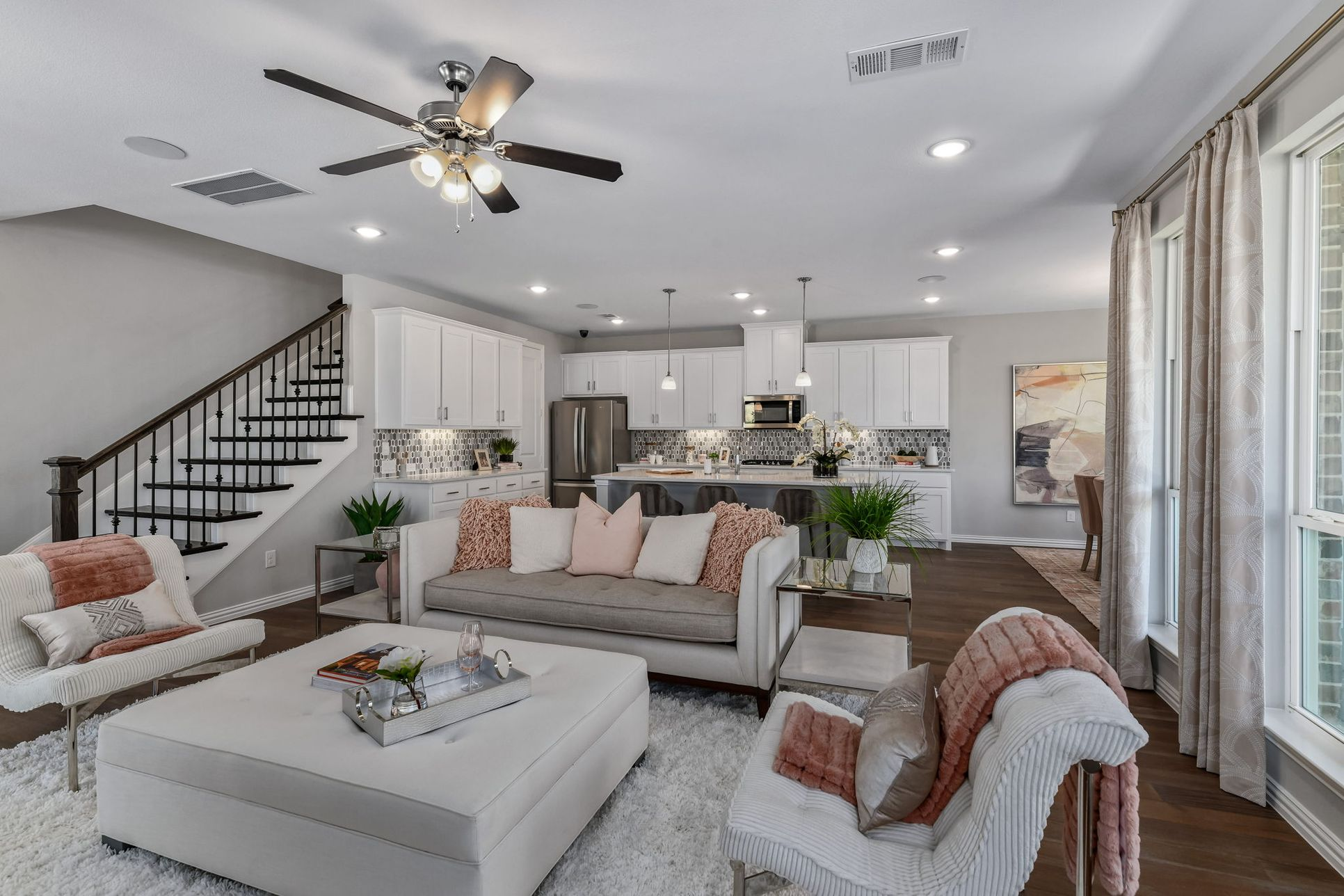 Castle Hills Northpointe Townhomes Kithchen/Living by American Legend Homes