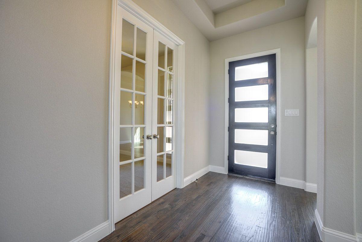 Interior:Plan 1701 Entry Representative Image