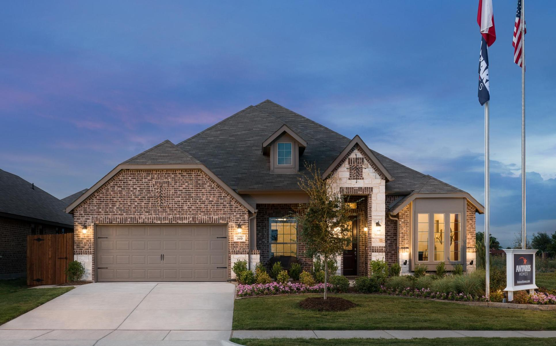 Exterior:2533 B with Stone