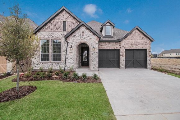 Exterior:New Home by Ashton Woods