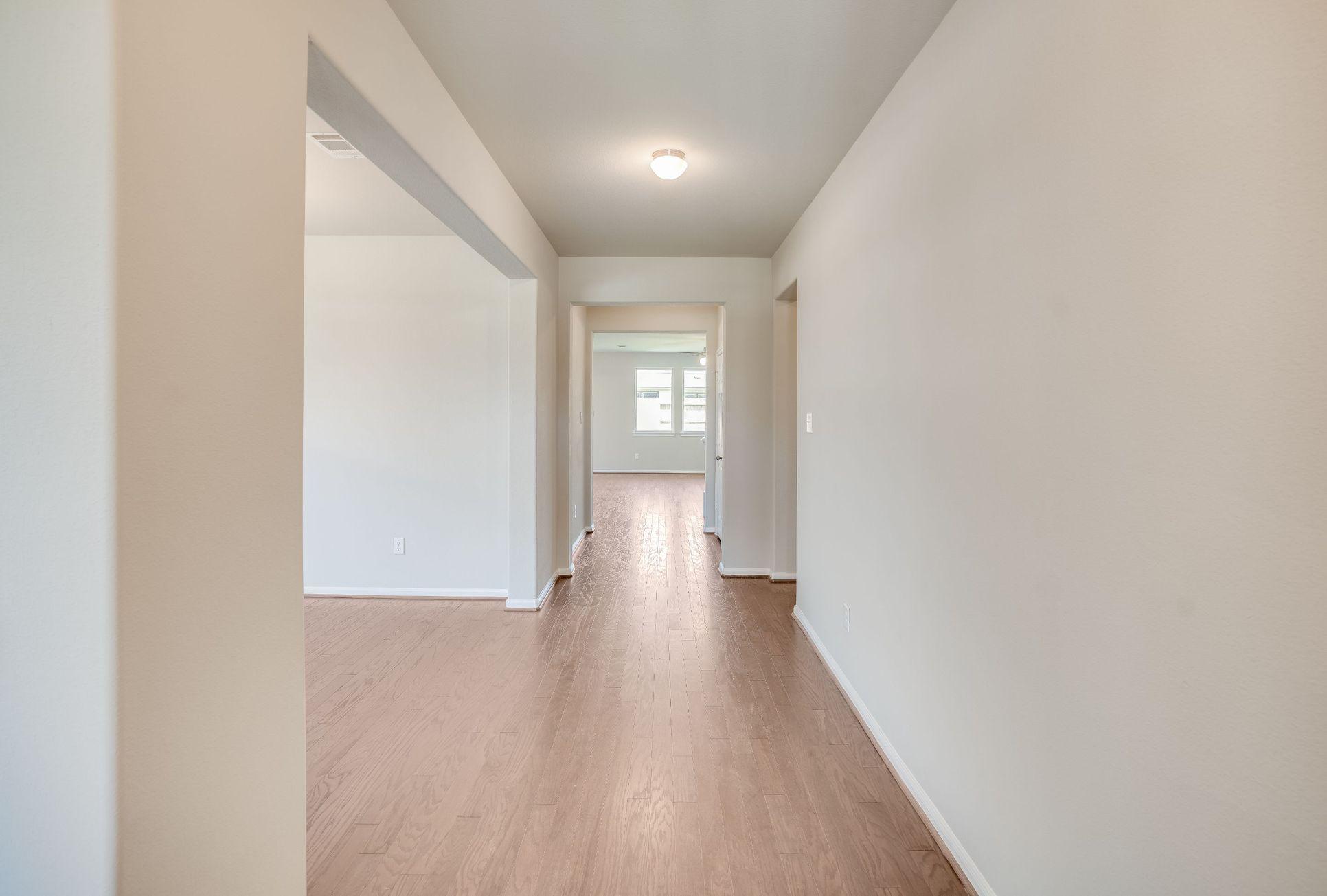 Interior:2606 Westward Hill Drive Interior Image 4
