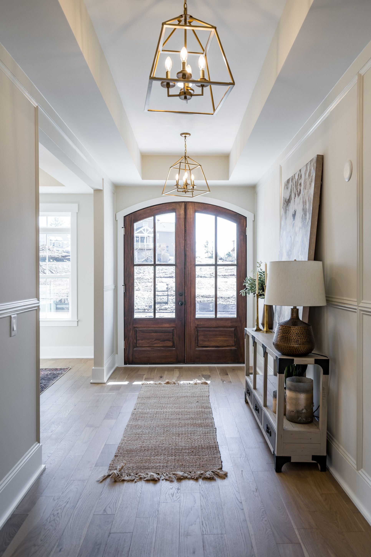 Interior:Foyer