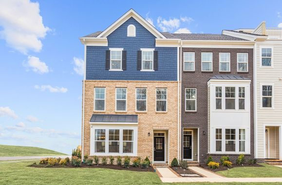 Townhomes at Potomac Shores