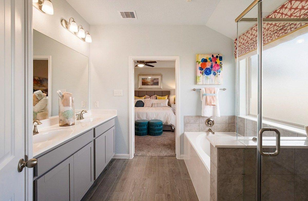 Interior:Quintera Primary Bathroom
