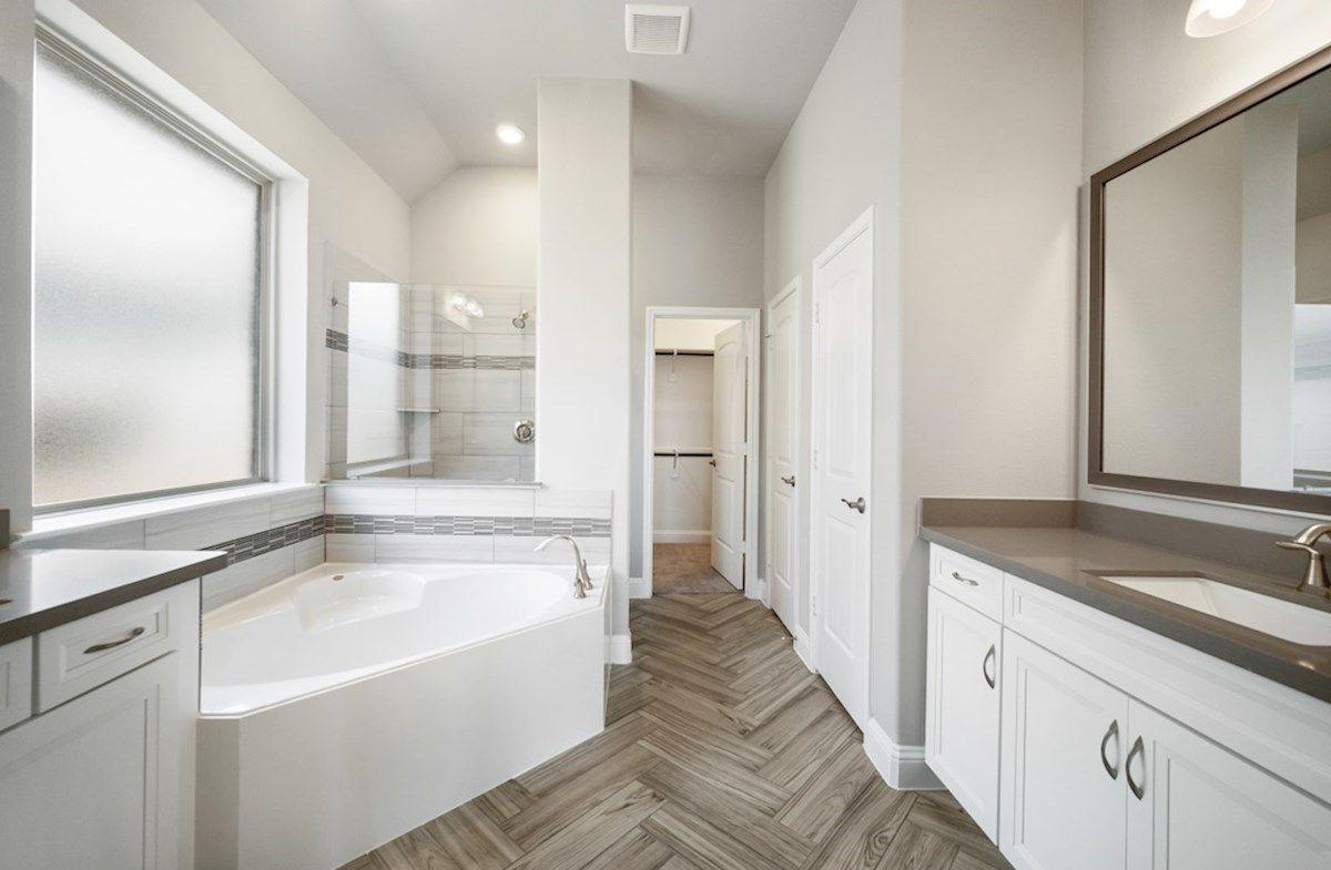Interior:Crockett Primary Bathroom