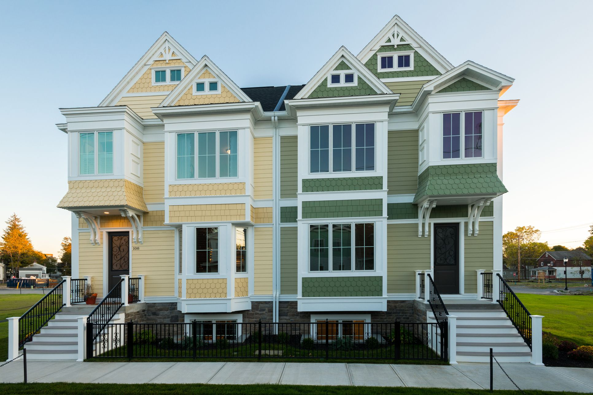 City Square Luxury Townhomes:City Square Luxury Townhomes