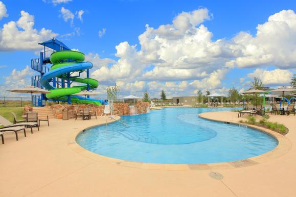 Community Pool - Water Slide