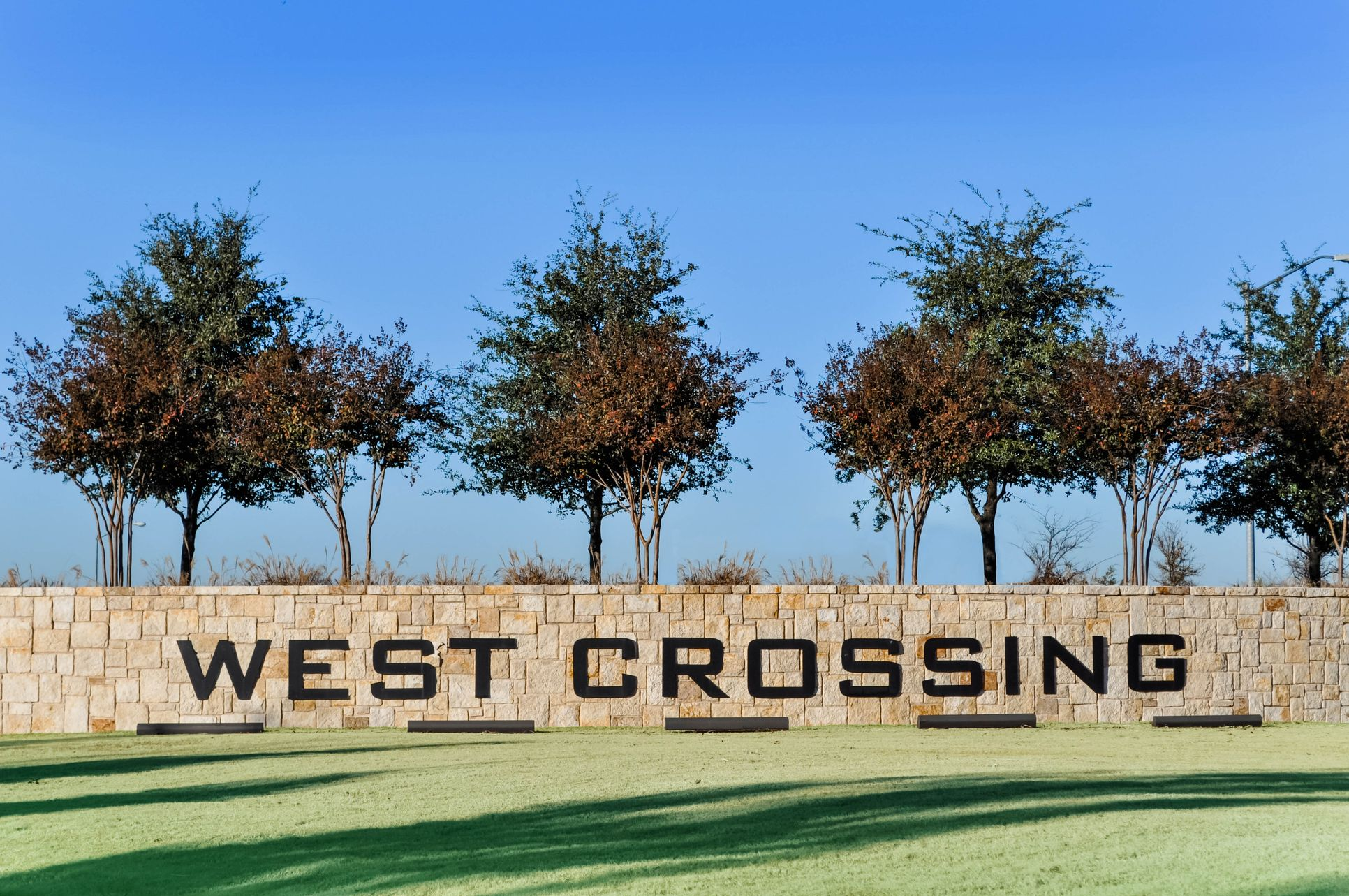West Crossing Sign:West Crossing Sign