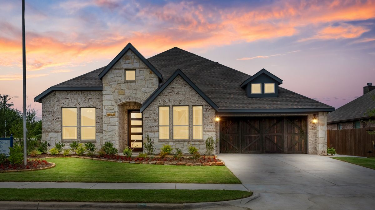 Model Home:Dove Chase Caraway Model Home