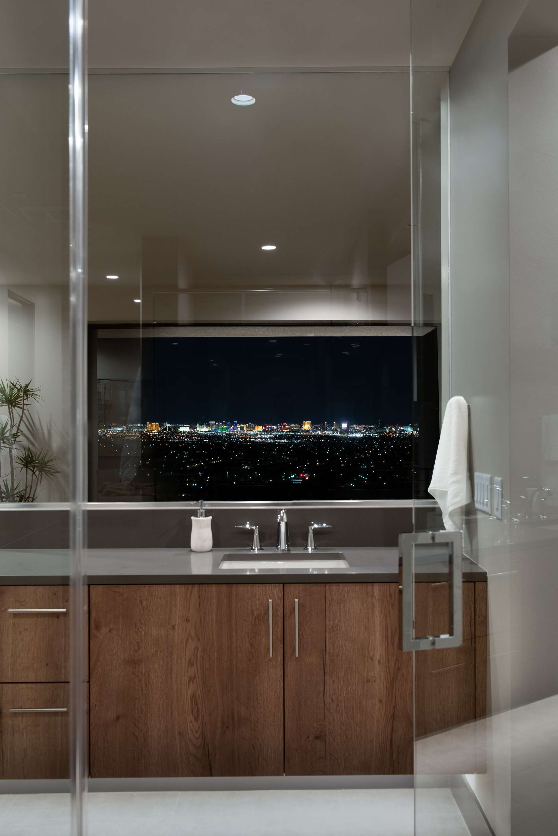 Apex - Bathroom:Apex - Bathroom