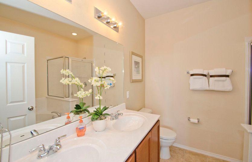 Serenada:Owner's Bath