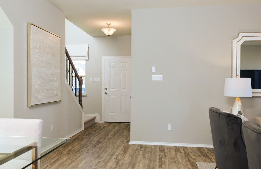 Lincoln:Entry Way