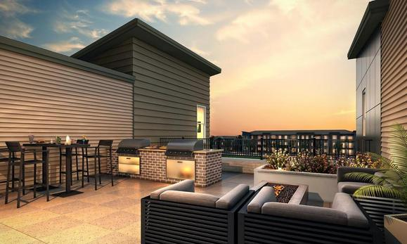 Rooftop patio at 400