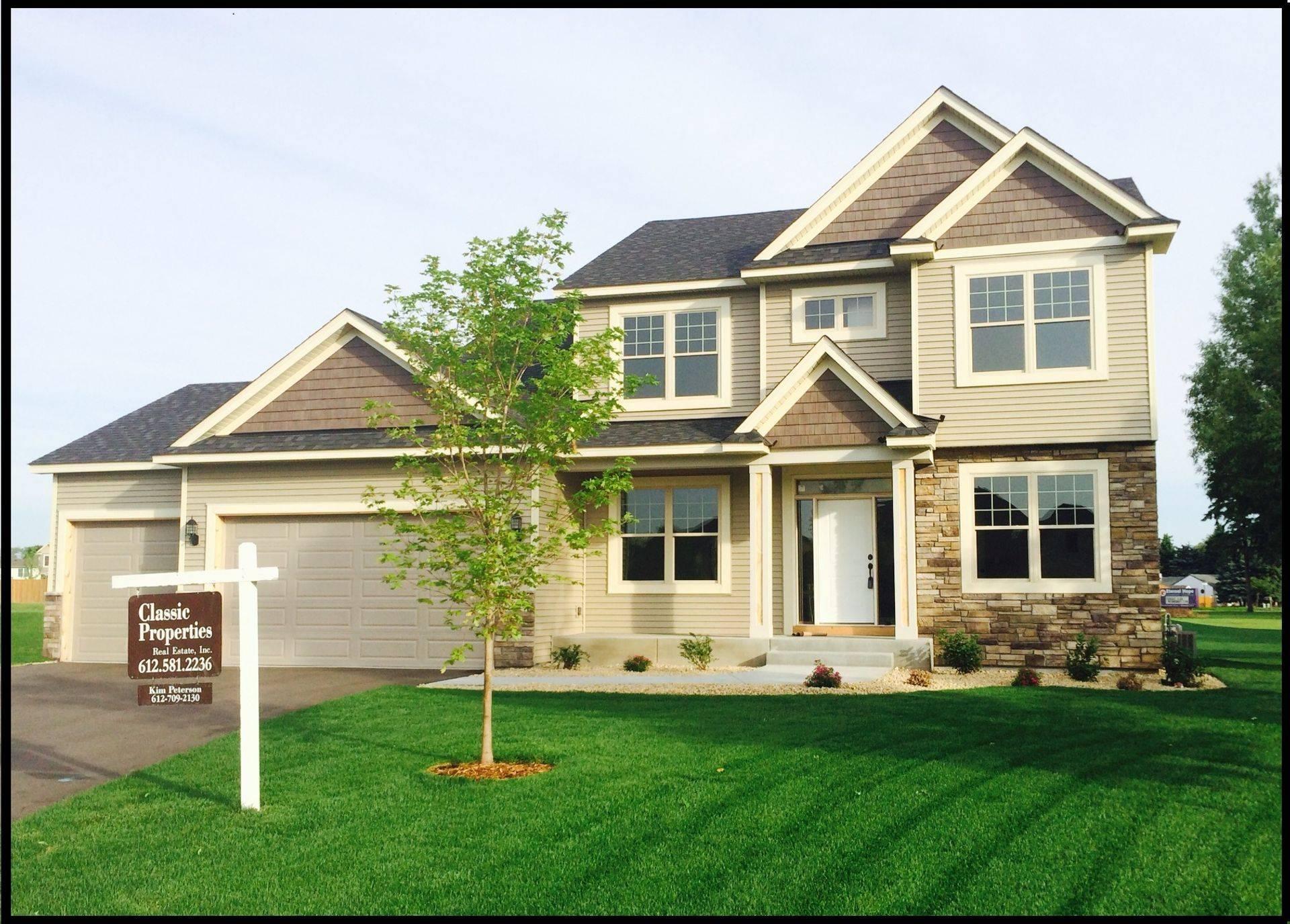 Classic Custom Homes,55316
