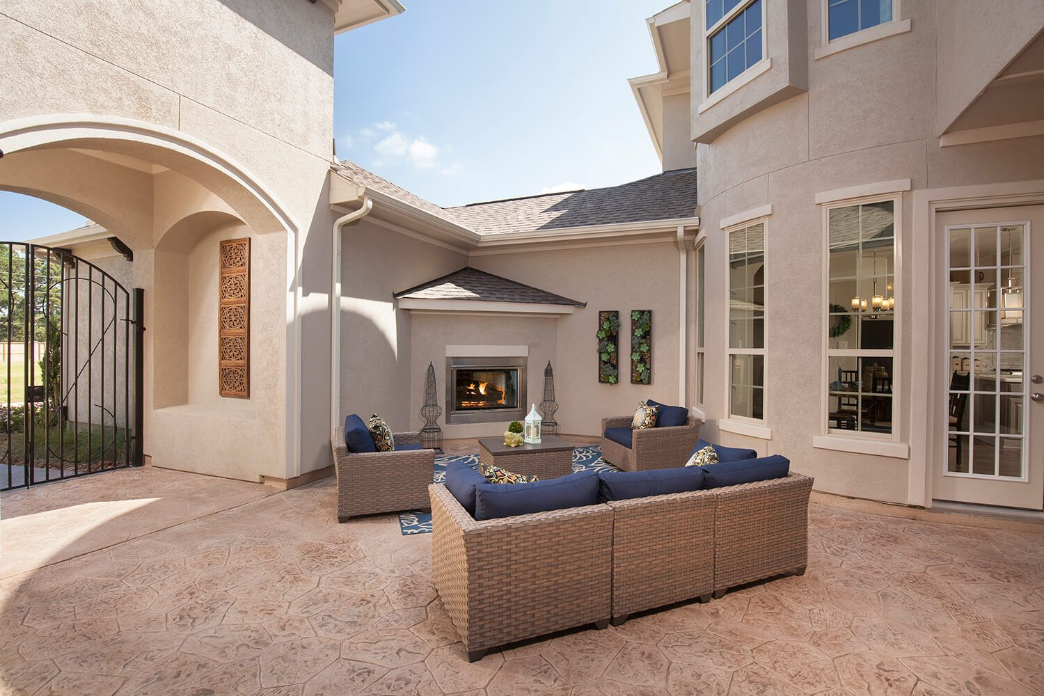 Courtyard - The Katy (8264 Plan)
