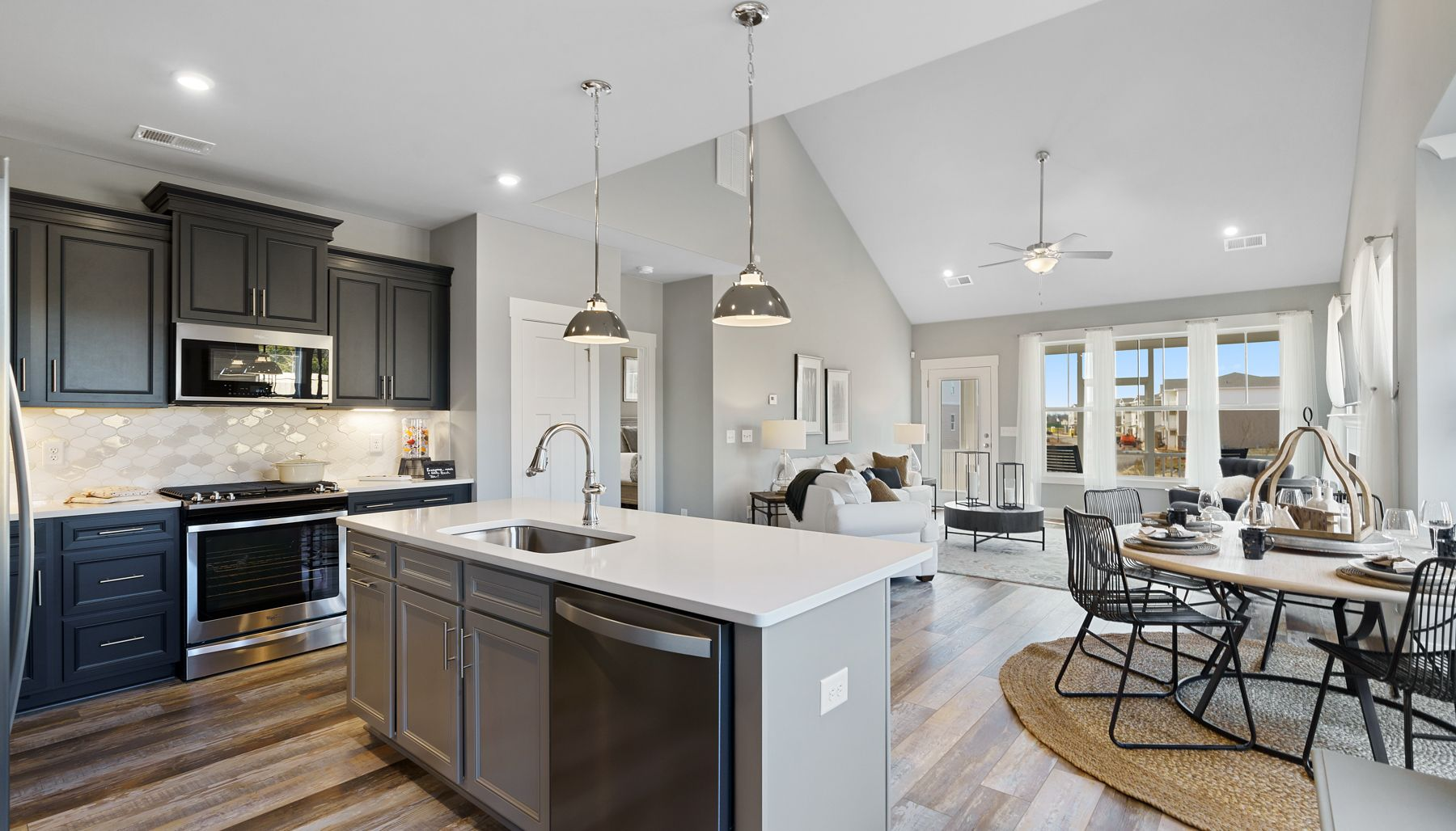 Lakehurst :Kitchen/Family Room