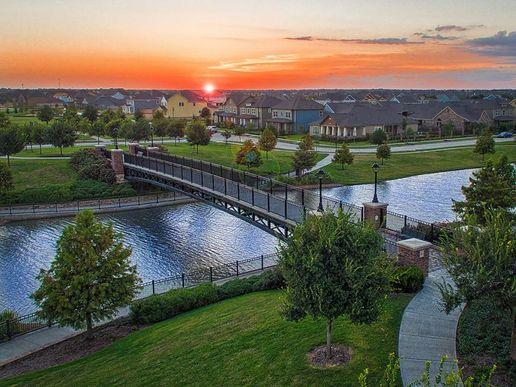 Bridgeland - Sunset