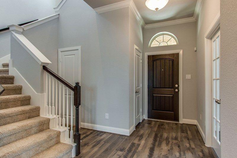 Interior:The Loomis - Foyer