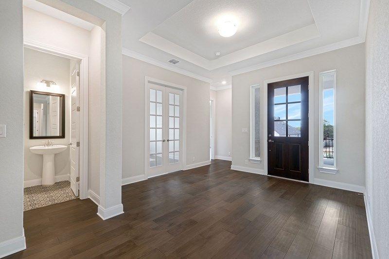 Interior:The Bowridge - Entry