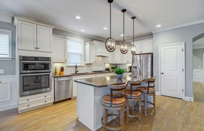 Abbeyville:Eat-in Kitchen Seating