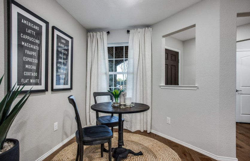 Steel Creek:Morning room at entryway, the perfect place to enjoy your cup of coffee