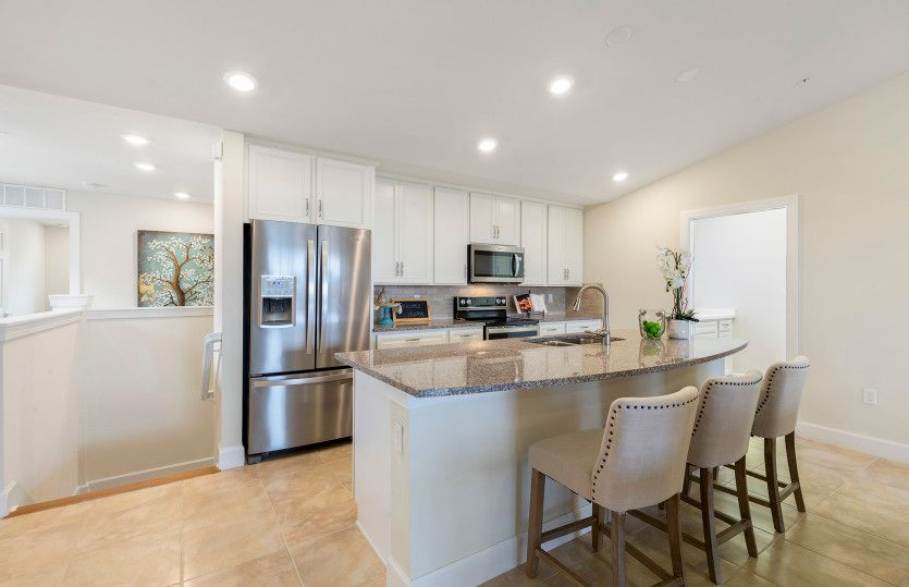 Cormorant:Cormorant | Kitchen with Stainless Appliances