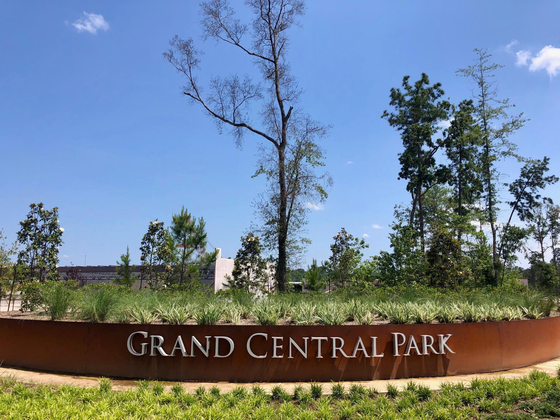 Grand Central Park Entrance