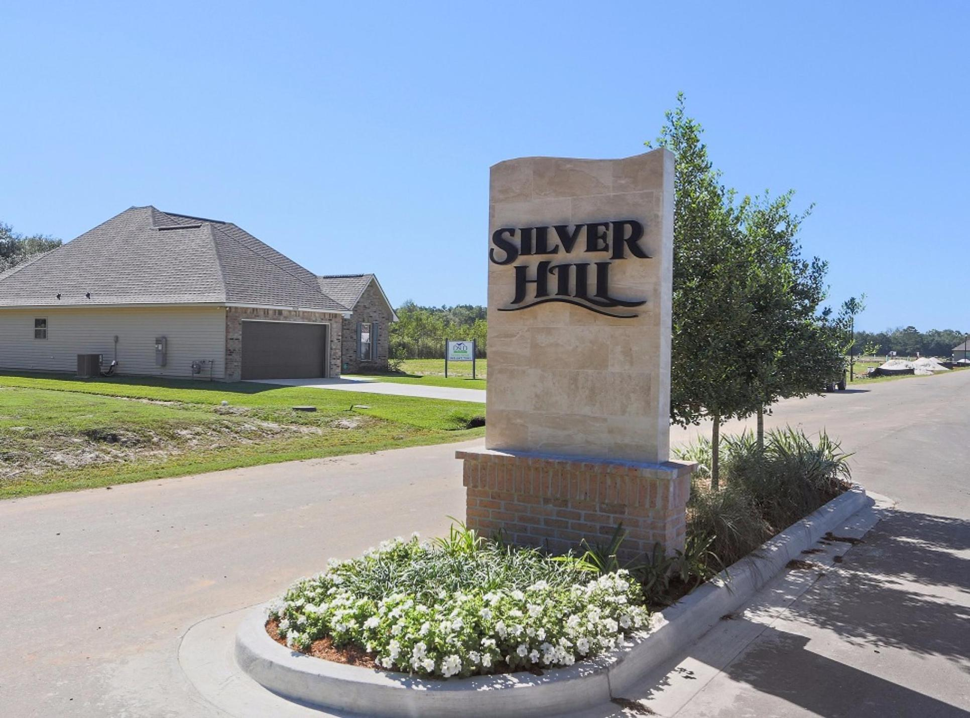 new construction homes in ponchatoula la by dsld homes:Silver Hill Entrance Sign