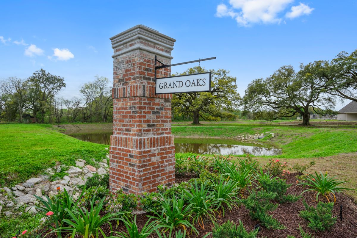 Community Entrance Sign - New Construction - DSLD Homes Grand Oaks