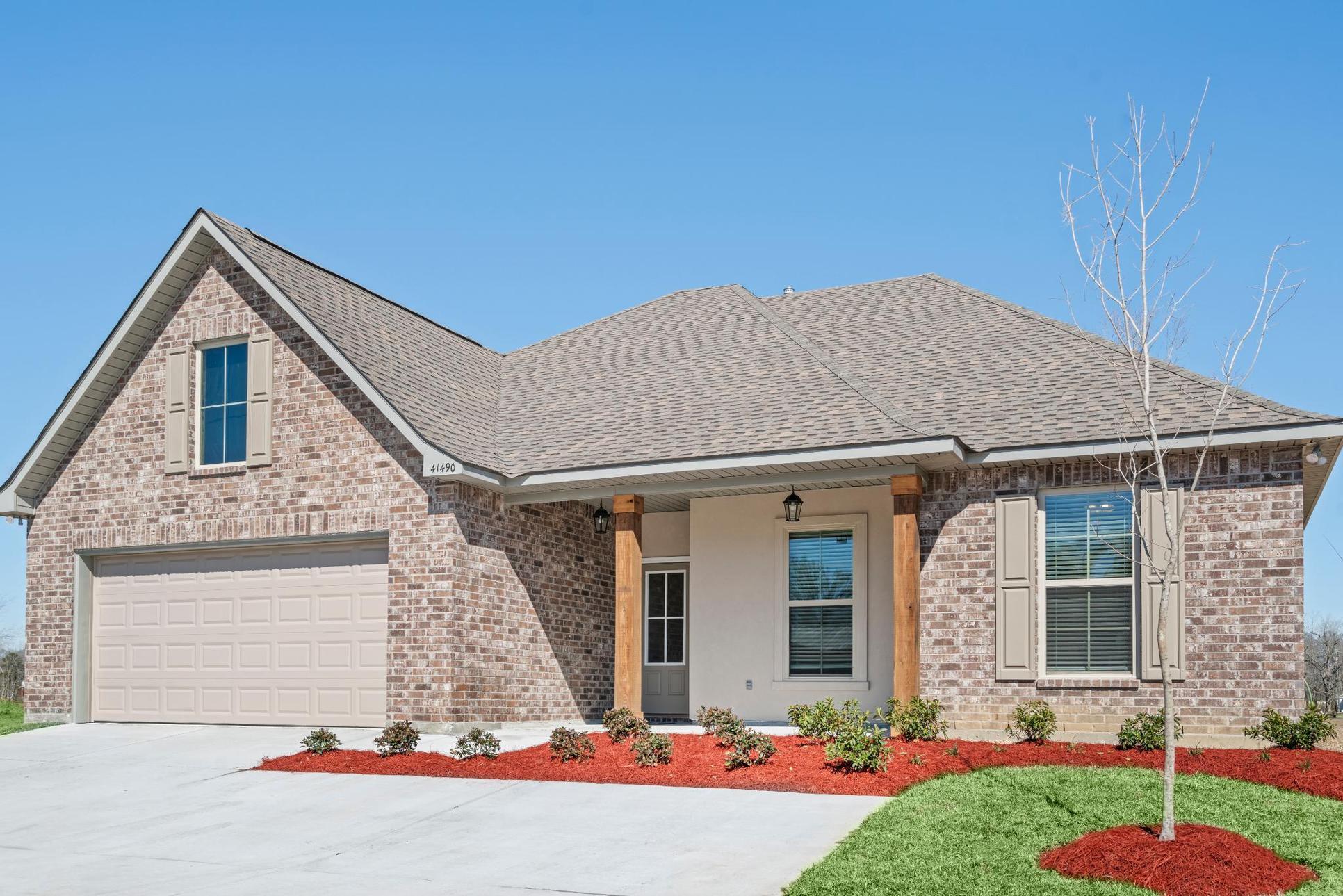 new homes in prarieville, la in cottages at savannah row:Cottages at Savannah Row- Model Home Exterior - DSLD Homes