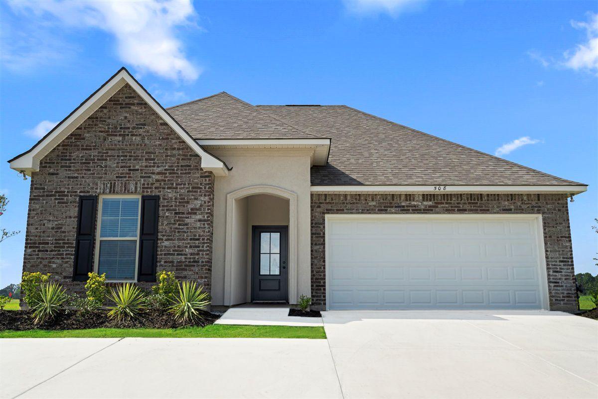 new homes in sterlington la by dsld homes:Somerset Park Model Home Exterior - DSLD Homes - Sterlington, LA