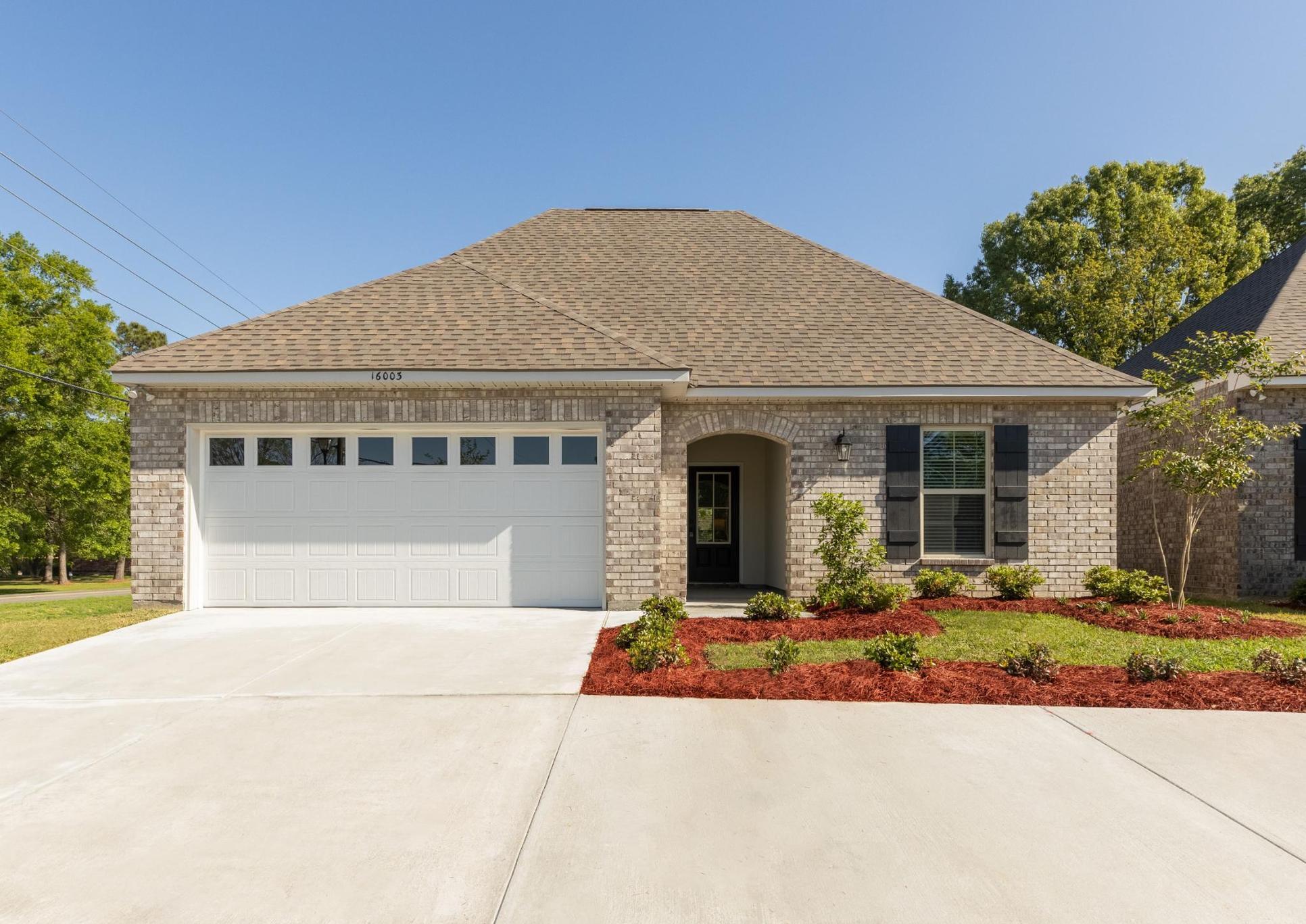 new home community in baton rouge, la - summer gardens:Summer Gardens Model Home - DSLD Homes-Baton Rouge, LA-Navona III B