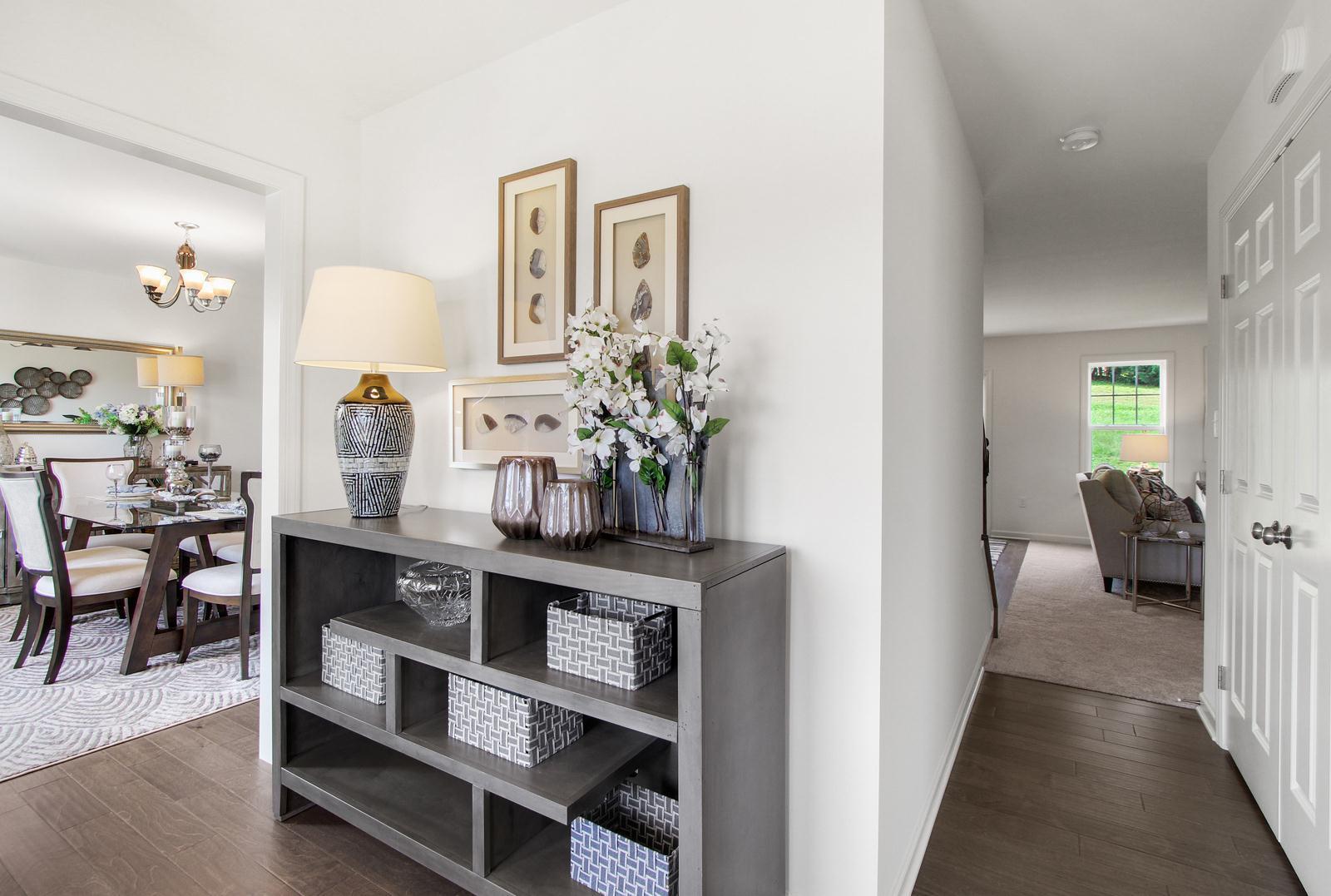 Brentwood:Foyer