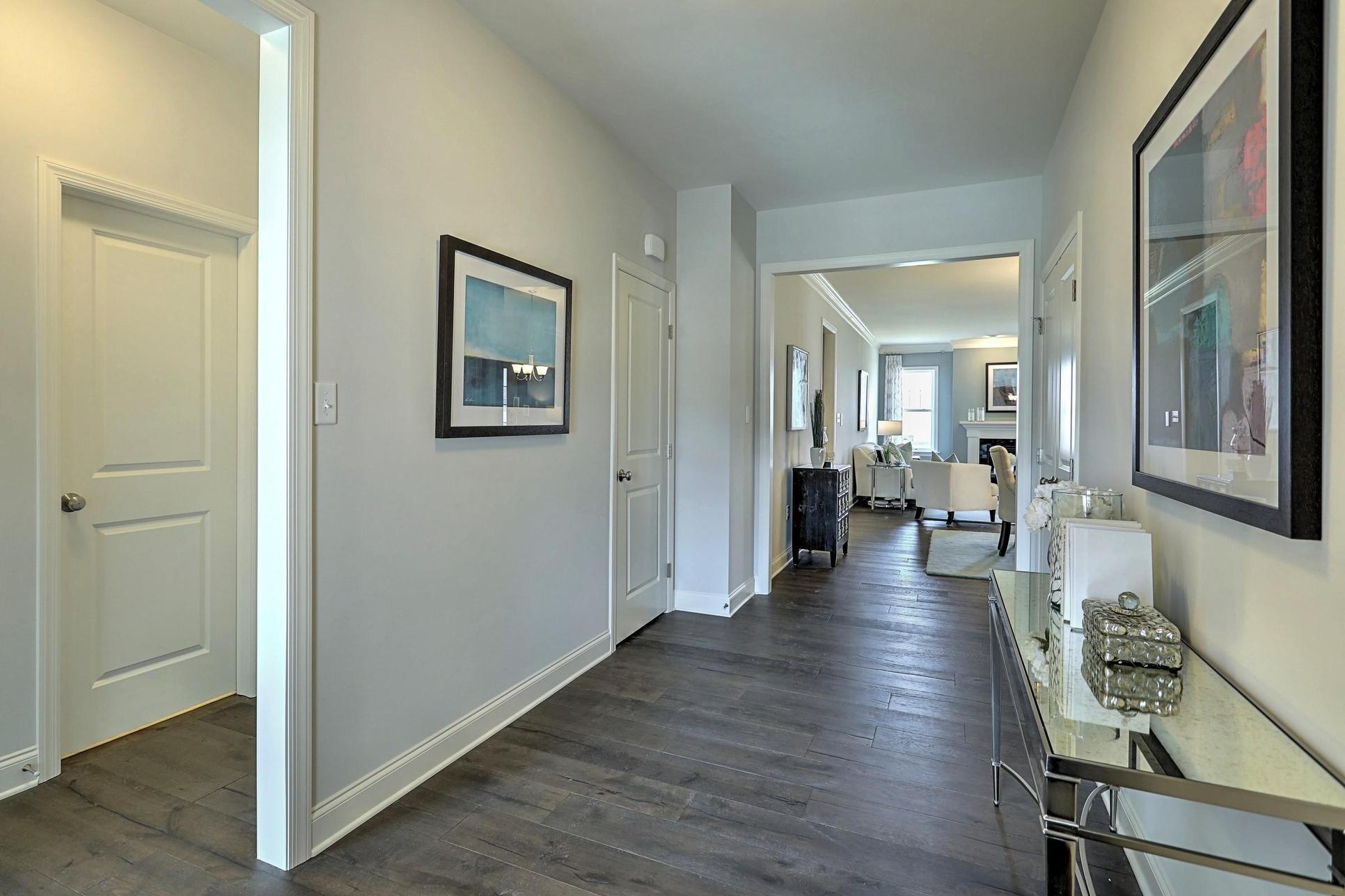 Newbridge:Foyer