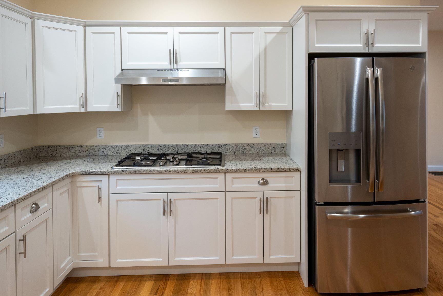 Kitchen:Cabinets