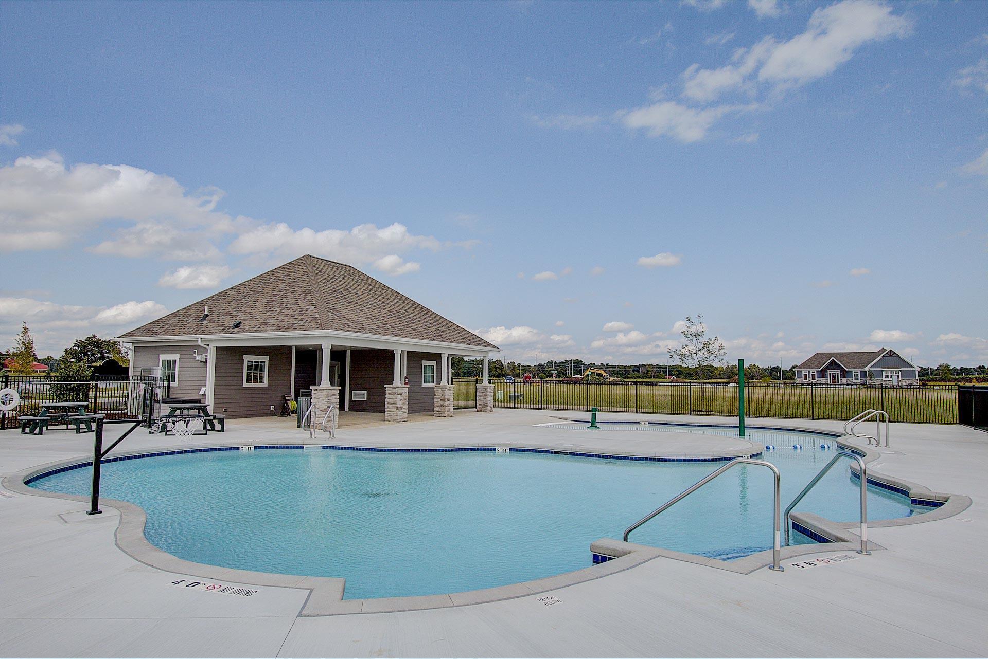The Villas at Lake Country Village:Community Image