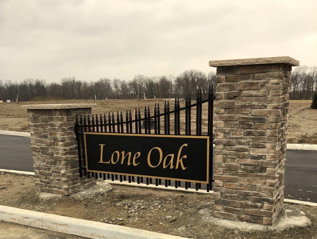Lone Oak,46818