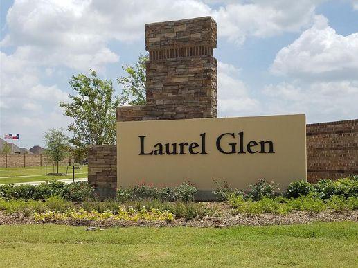 Laurel Glen,77379
